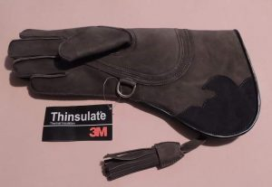 COLUMBIA FULL-CUFF INSUALTED GLOVE OLIVE GREEN COLOR FOR COLD WEATHER USE- RIGHT HAND GLOVE.