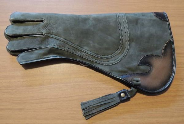"""Columbia full cuff gauntlet three layer glove 15"""" long left hand glove olive green color"""