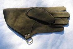 SHORT CUFF 11 INCH LONG DOUBLE THICKNESS COWHIDE GLOVE