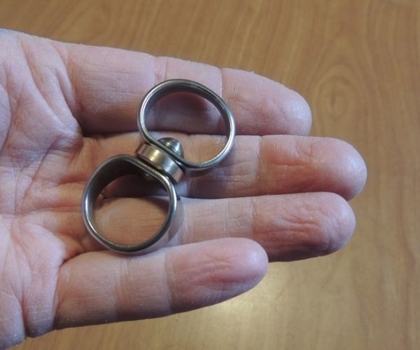 A NEW MESSINGER FIGURE EIGHT STAINLESS STEEL SWIVELS IN FIVE SIZES