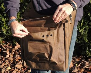 A - GAME HAWKERS GAME BAG TAN COLOR WITH EURO SHOULDER STRAP DESIGN