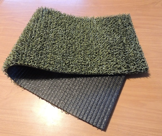 Green Long leaf artificial turf.  1ft x 3ft pieces