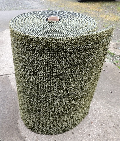 GREEN LONG LEAF ASTRO TURF, BRAND ARTIFICAL TURF. 3FT X 50FT ROLLS