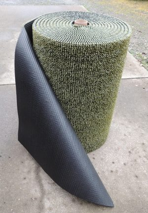 GREEN LONG LEAF ASTRO TURF BRAND ARTIFICAL TURF 3FT X 25FT ROLLS