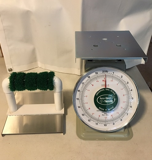 Spring Balance Scale for Eagles & Owls weighs up to 20lb. Perch top is optional.